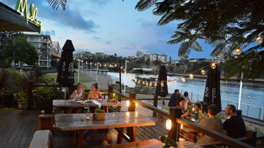 Medley Restaurant occupies prime position on one of the most beautiful and historic bends of the Brisbane river, at Kangaroo Point.
