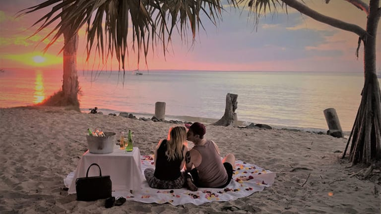 Fraser Island is the perfect Valentine's Day adventure, with crystal clear lakes, endless beaches and romantic settings at every turn.