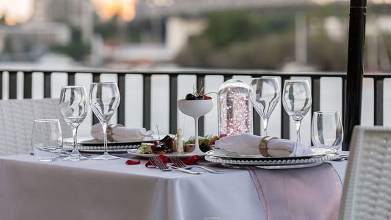 Stamford Plaza Brisbane certainly knows how to turn on the charm, and their Valentine's Day dining experiences are no exception.