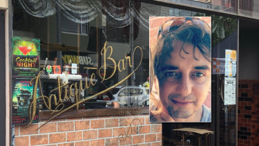 Antique Bar in Elsternwick where Spiro Boursine (inset) died on Saturday.