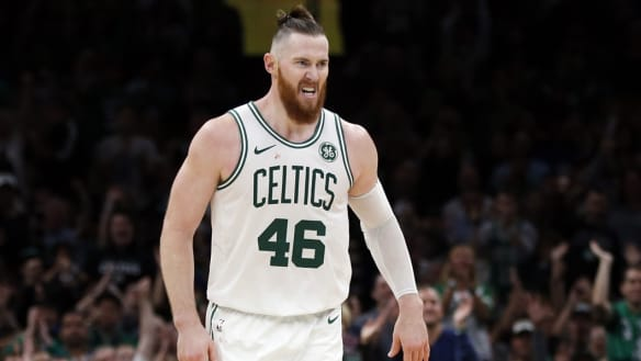 Baynes ruled out for Celtics with hamstring injury