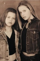 Georgia (left) with her older sister, Kate, in 1998.