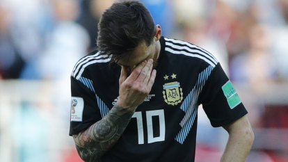 """""""Lay off Messi"""", says Argentina coach"""