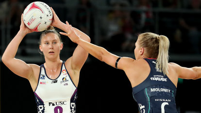 Despite stirring finish, Vixens fall just short of the Lightning in Mother's Day clash