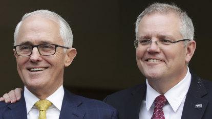 'Superhuman': Turnbull warns against Morrison plan for Paris climate short-cut
