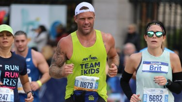 Nick Youngquest running in the New York marathon.