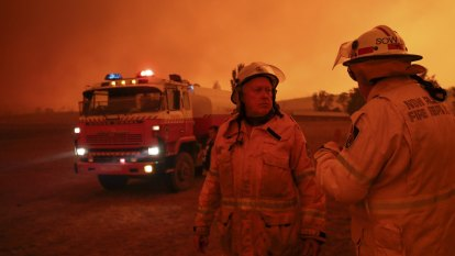COVID-19 provides challenges for coming fire season, royal commission hears