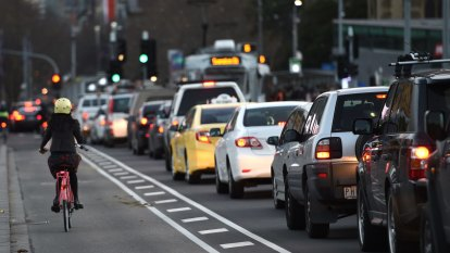 'Lost opportunity': Melbourne considers slashing cost of parking as part of car-led recovery