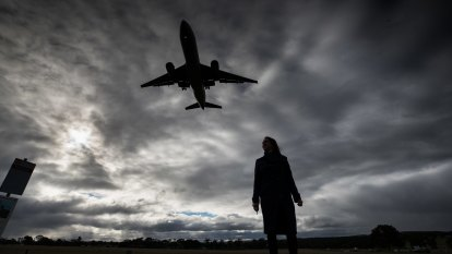Melbourne Airport asks for powers to stop development underneath flight paths