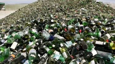 Queensland is still exporting hundreds of thousands of tonnes of waste plastic, glass and paper despite a ban on waste exports about to begin at the end of 2020.