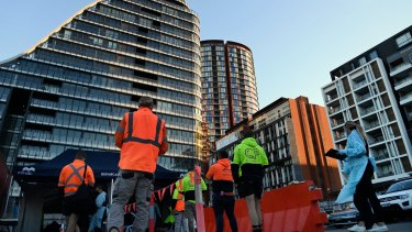 The government has scrapped the 50 per cent capacity limit on construction sites from Monday.