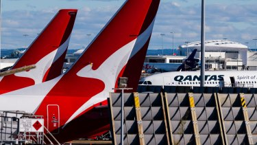 Passengers who were on a weekend flight into Sydney have been told to isolate.