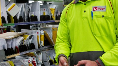 Australia Post, NBN pay out $300 million in bonuses during COVID