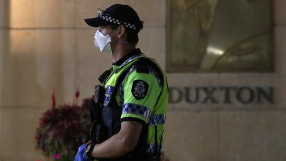 Quarantine charge for Perth woman exempt to fly home from Victoria