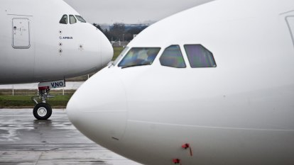 Bottle of gin may have helped end 16-year dogfight between Boeing and Airbus