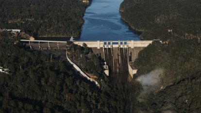 Bid to protect controversial Warragamba Dam wall raising from legal challenges