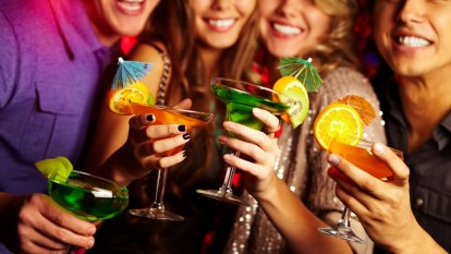 As teens, alcohol and summer collide, this is what can parents do