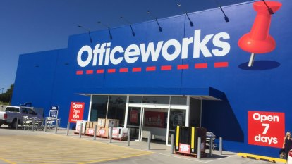 Officeworks won't follow Coles out of Wesfarmers while it performs - CEO