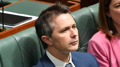 Labor calls to lift cap on home-loan deposit scheme to help construction