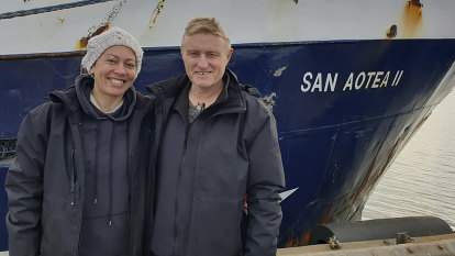 Stranded honeymooners hitch home on Antarctic boat