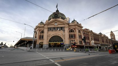 Fatigue weighs heavy as Victoria snaps back into lockdown
