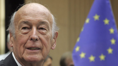 'Let us dream of Europe!': Giscard d'Estaing, the euro's founding father, dies at 94