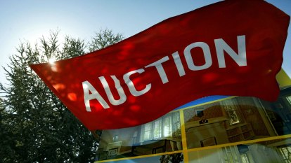 How to win at the property auction game