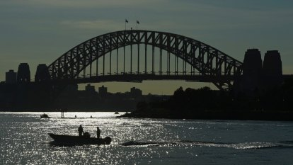 The windy city: Warm Sydney weather to drop by 10 degrees