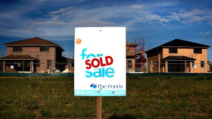 'Throwing petrol on a bonfire': Property prices tipped to soar if super used for deposits