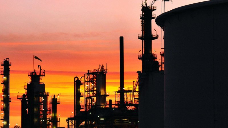 Refiners Give No Early Guarantees On Plants