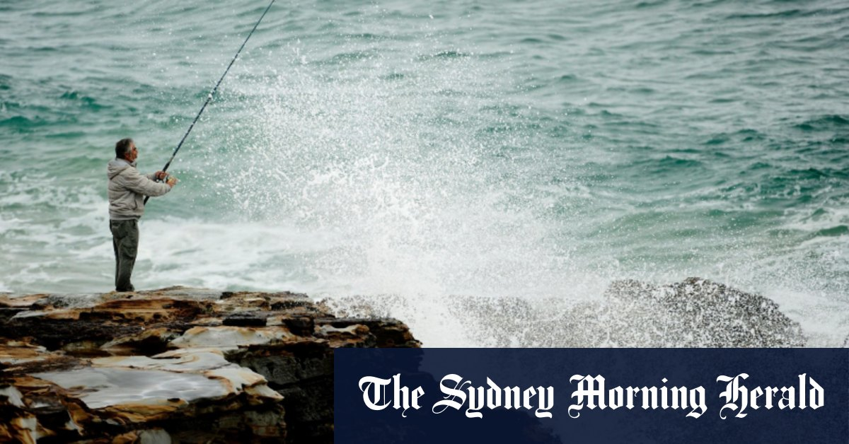 Man in his 20s dies while rock fishing on NSW South Coast – Sydney Morning Herald
