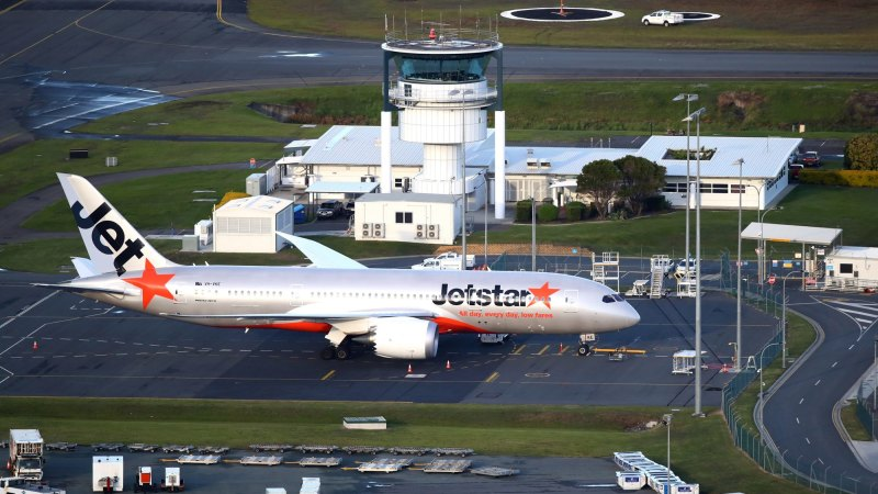 Gold Coast airport closes due to COVID-19