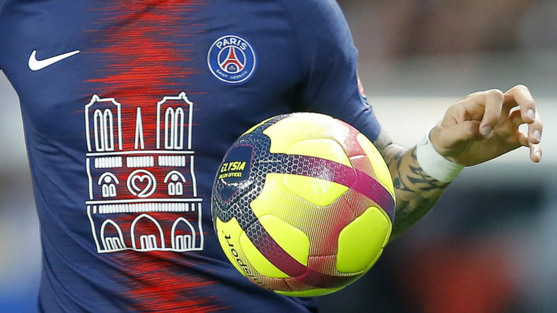 big sale 81d14 e46ad Notre Dame fire: PSG pay tribute to historic cathedrial ...