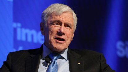 Seven billionaire Kerry Stokes calls for climate calm amid bushfires