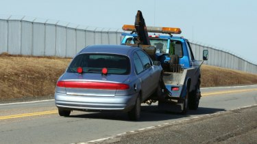 There have industry calls for regulation in WA's tow truck industry.