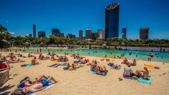 South-east Queensland to swelter in 35-degree heat by end of week