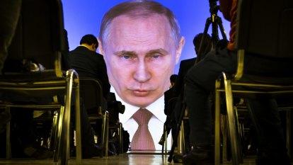 Putin's gold rush: Russia is dumpingUS dollars to hoard bullion