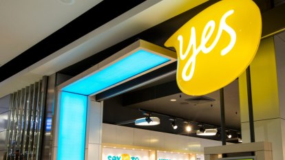Angry Optus customers take to Twitter over website outage
