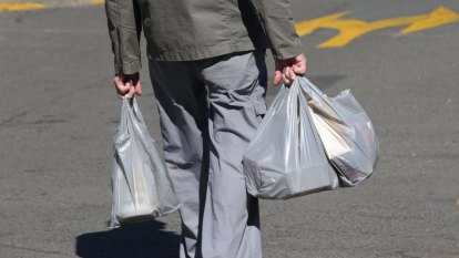 900 million plastic bags saved in Queensland during first year of ban