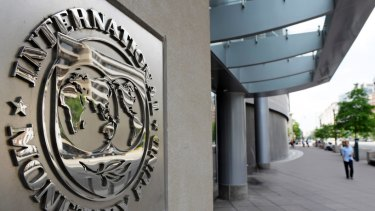 The International Monetary Fund has urged both sides of politics not to engage in a pre-election spending war.