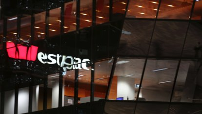 Westpac follows CBA with fixed rate cuts