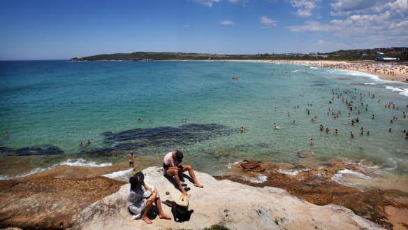 'Horrid, muggy days': Sydney to swelter through record-breaking heatwave