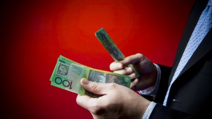 Labor vows to dramatically expand bank compensation scheme