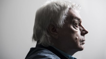 Government bans conspiracy theorist David Icke ahead of planned Australian tour