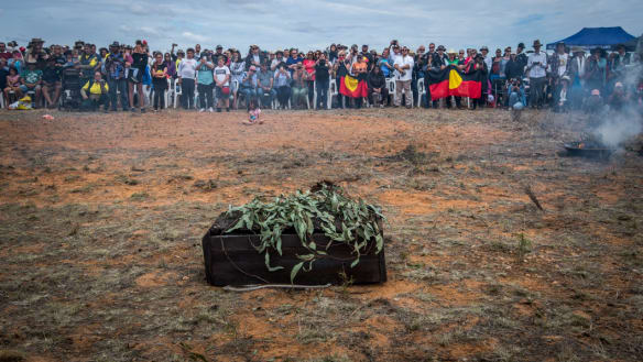 Mungo Man remains to be reburied on country