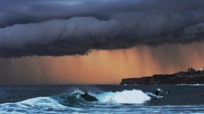Warming climate to stir up more damaging waves as 'rare event' nears: research