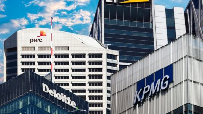 Big banks and accounting firms defend auditors' independence
