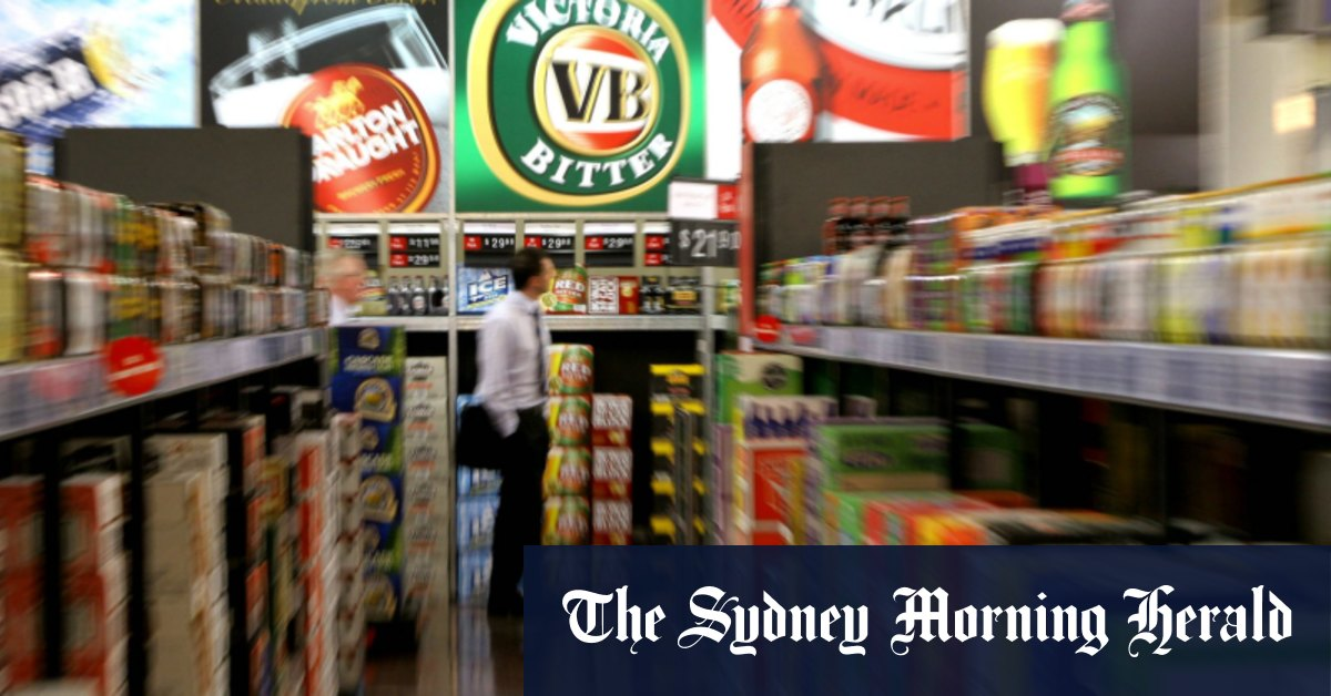 'Absolute hypocrisy': Woolies faces backlash over Dan Murphy's Darwin megastore