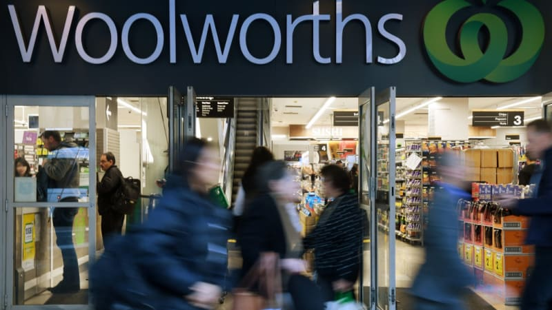 Woolworths in push for staff to work on Christmas Day