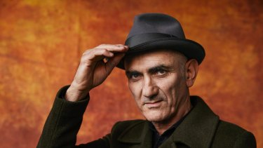 Paul Kelly has acknowledged the influence of poetry on his songwriting.